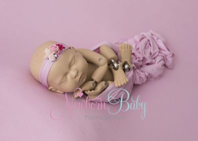 Backdrop Photoraphy | Newborn Baby Posing